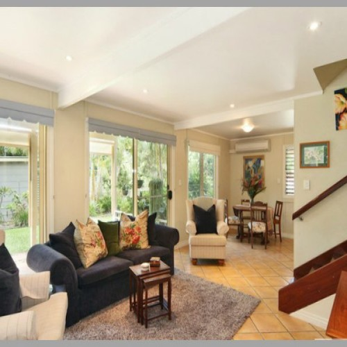 Gorgeous Queenslander with Granny Flat