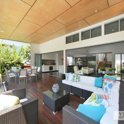 Resort-style Open Plan Sophistication